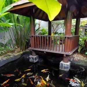 inspirasi 5 desain gazebo di atas kolam ikan minimalis